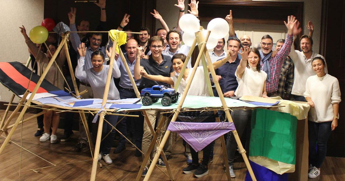 construction d'un pont lors d'une activité team building